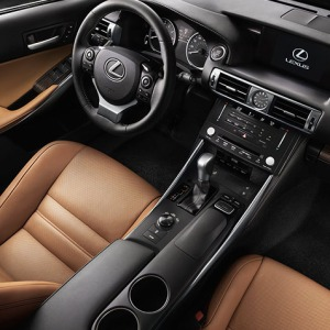 2014-Lexus-IS-luxury-technology-expanded-package-hero-846x477-LEXISGMY150034