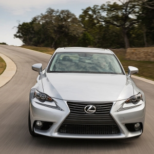 2014_Lexus_IS_250_018