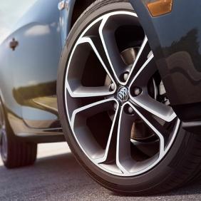2016-Buick-Cascada-Convertible-003