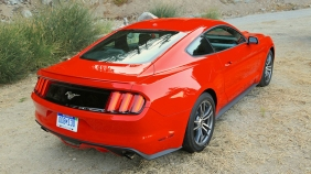 2015-Mustang-EcoBoost-Static-Angeles-Hwy-005