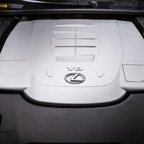 2013_Lexus_LS_460_025