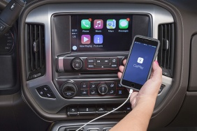2016 GMC Sierra Apple CarPlay