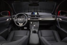 2016_Lexus_CT_200h_008_F8E9ED0067A2FBEAD4E0B5633099407C49ACBC95