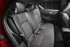 2016_Lexus_CT_200h_015_B4F43A7CE089E17100B5653C56ACFABD8436E3C1