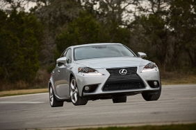 2016_Lexus_IS_350_012_3A4F7ACE95ADC07F8EBC1AEE4F0B1DEC8D292D43