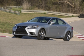 2016_Lexus_IS_350_030_D9DD6BE8A696533190ACF0D012398BEED35FC6DE