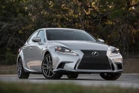 2016_Lexus_IS_350_F_SPORT_002_BC1D400361690C1466D3F08EF698DBDF59AAC15C