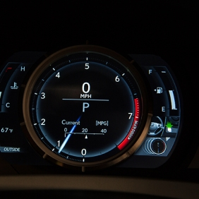 2016_Lexus_IS_350_F_SPORT_011_B81308B4A89DF5B31297A655463C9A4A21D42EE4