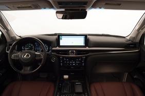 2016_Lexus_LX_570_019_5AFEDAEC321F7C231DABAAE0824E7366BC8F040C-2
