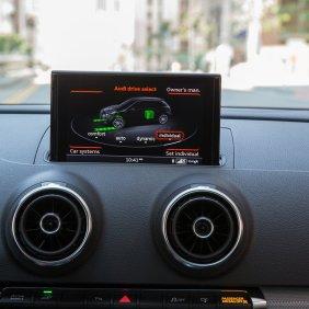 news-2016-audi-a3-sportback-e-tron-interior-1