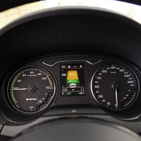 news-audi-a3-sportback-e-tron-interior-detail-02-2