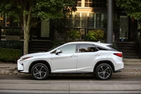 2016_Lexus_RX_350_004_CAA506E1242620986DED514A6EC25EC565944B85