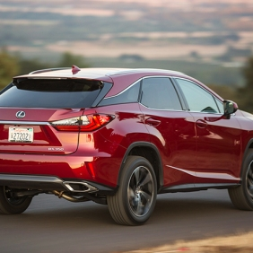2016_Lexus_RX_350_020_CE551100EDD71FF83192616528EF420FC785F4E1