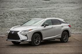 2016_Lexus_RX_450h_F_SPORT_006_6E4DED59273A3E02F1850BD820FAAB49D3170235