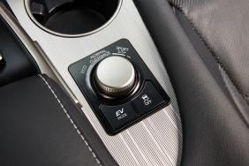 2016_Lexus_RX_450h_F_SPORT_030_611A3D6D70EC9229C3395889AEECB9080756FF58