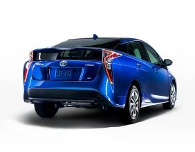 2016_Toyota_Prius_008_851DA72ACA513592E324C77A2FA7A00A6A3DBF71