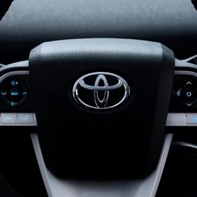2016_Toyota_Prius_018_8CDE04D61EE6B3F658A5476746931F4BD7CCFCEA