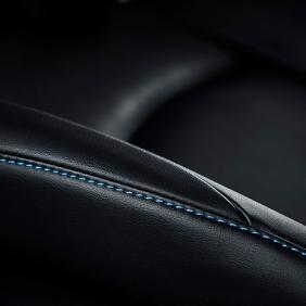 2016_Toyota_Prius_030_FE843C345BF3264AEB8158AE0436F1B8D5841D2E