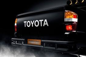 BTTF_Toyota_Tacoma_07_45C8B2206C014FAB75B7C2348365406D76C9440D