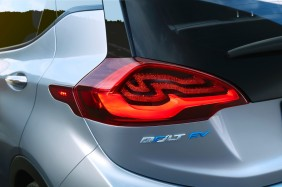 2017-Chevrolet-BoltEV-014