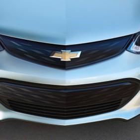 2017-Chevrolet-BoltEV-017