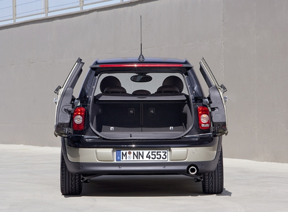 2008_MINI_Clubman_Rear_Doors_Open