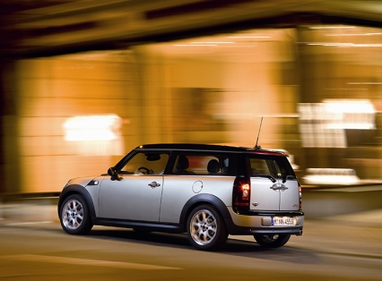 2008_MINI_Clubman_Three_Quarter_Rear