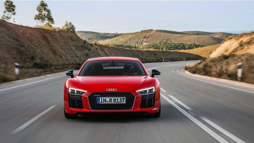 news-2017-r8-coupe-v10-plus-5