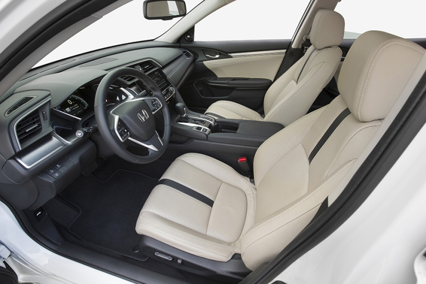 16_Civic_Sedan_104.jpg