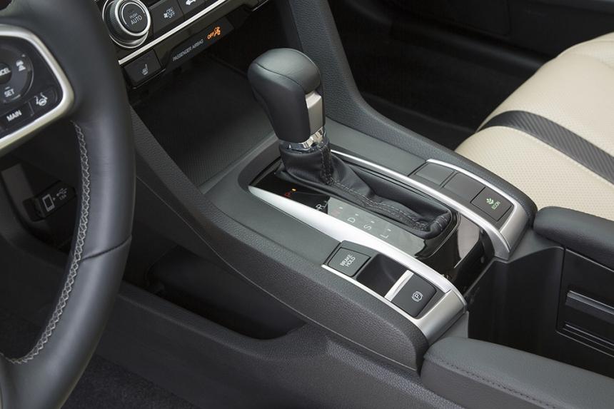16_Civic_Sedan_108.jpg