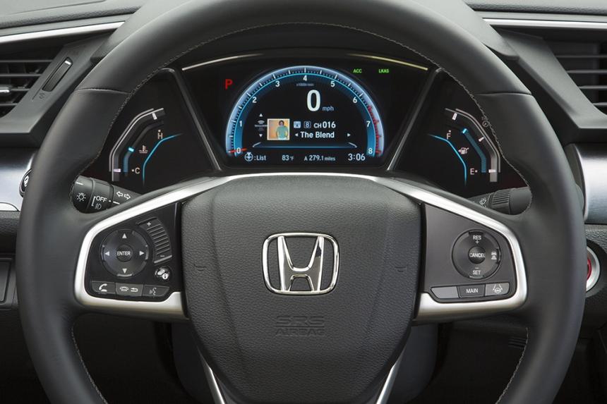 16_Civic_Sedan_117.jpg